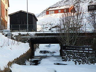 Sørvágur - One of the rivers in Sørvágur and one of the bridges
