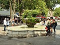 Aix-en-Provence-FR-13-fontaine 9 canons-a01.jpg