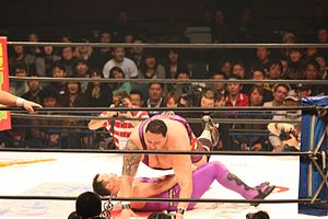 Akebono Tarō - Akebono performing the Yokozuna Press on Commander An Jo in HUSTLE