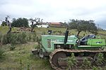 Algarve - farmstead with tractor (13365653733).jpg