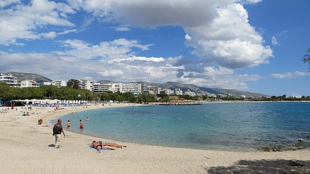 Beach in the southern suburb of Alimos, one of the many beaches in the southern coast of Athens Alimos - panoramio (33).jpg