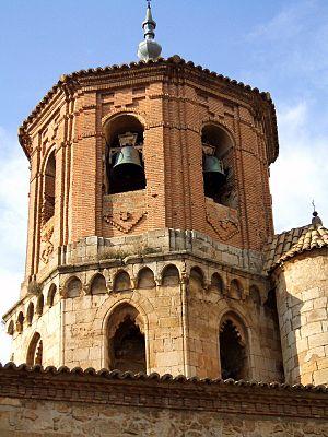 English: Torre-cimborrio de la iglesia de San ...