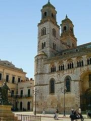 http://de.wikipedia.org/w/index.php?title=Bild:Altamura0001.jpg&filetimestamp=20060108150833