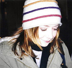 Alyson Hannigan London 2004.jpg
