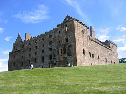 Linlithgow Palace, the first building to bear that title in Scotland, extensively rebuilt along Renaissance principles from the fifteenth century Am linlithgow palace north west.jpg