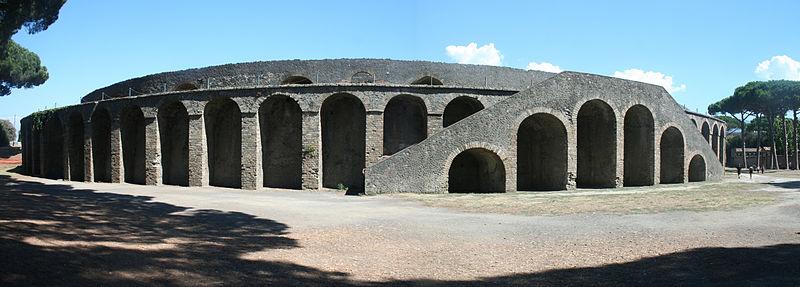 Drevna arhitektura - Page 2 800px-Amphitheatre_in_Pompeji