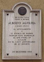 Lápida conmemorativa de Alberto Aguilera