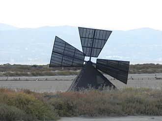 Hayward Shoreline Interpretive Center - Wind powered Archimedes' screw along the San Francisco Bay Trail, adjacent to the center