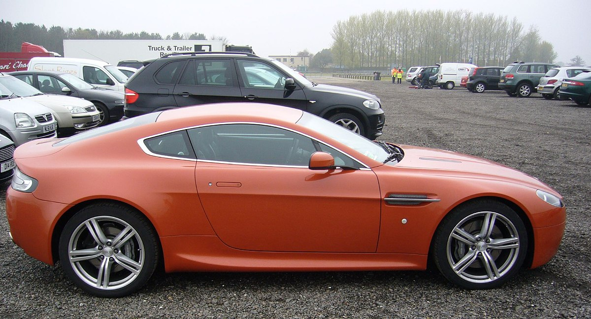 File Aston Martin V8 Vantage Coupe Side Red Foshie Jpg Wikimedia Commons