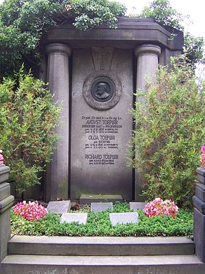 August Toepler - Family grave including the physicist and his son Maximilian on the St. John's Cemetery in Dresden