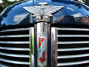 Austin 16 hp - Image: Austin Sixteen Badge 2443121219