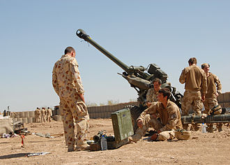 L118 light gun - Australian and British gunners with L118 in Afghanistan, 2009