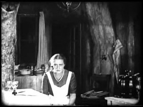 Datei:Backstairs (1921).webm