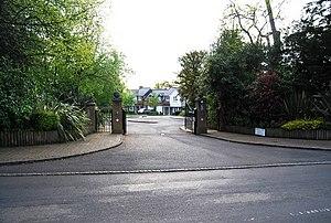 English: Badger's Holt, Blackhurst Lane A gate...