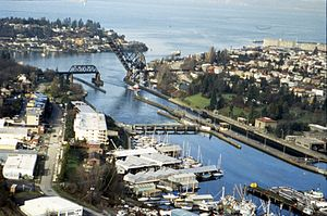 Salmon Bay Bridge - Image: Ballard Locks and Shilshole Bay, 1990 (27233990176)