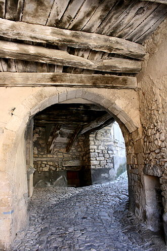 Banon, Alpes-de-Haute-Provence - Access to the Rue des Arcades