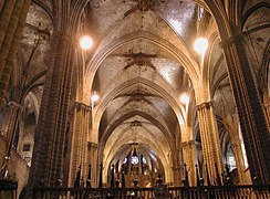 Barcelona catedrale vista interno.jpg