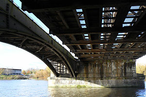 Barnes Railway Bridge - Image: Barnes Railway Bridge P1020679r