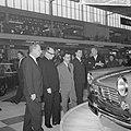 Bezoek Franse ambassadeur aan de RAI, Simca-stand, Bestanddeelnr 914-8179.jpg