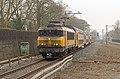 Bilthoven NS 1734 met DDAR 3 als Sprinter 5643 Utrecht-Zwolle (16279175558).jpg
