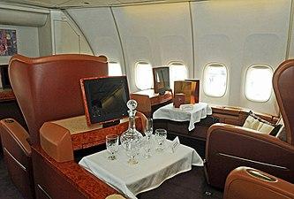 Boeing 747-412, Singapore Airlines JP7339372.jpg