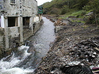 Boscastle flood of 2004 - Looking upstream from the bridge after the flood