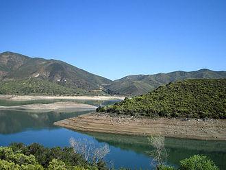 Bouquet Reservoir - Image: Bouquet reservoir kmf