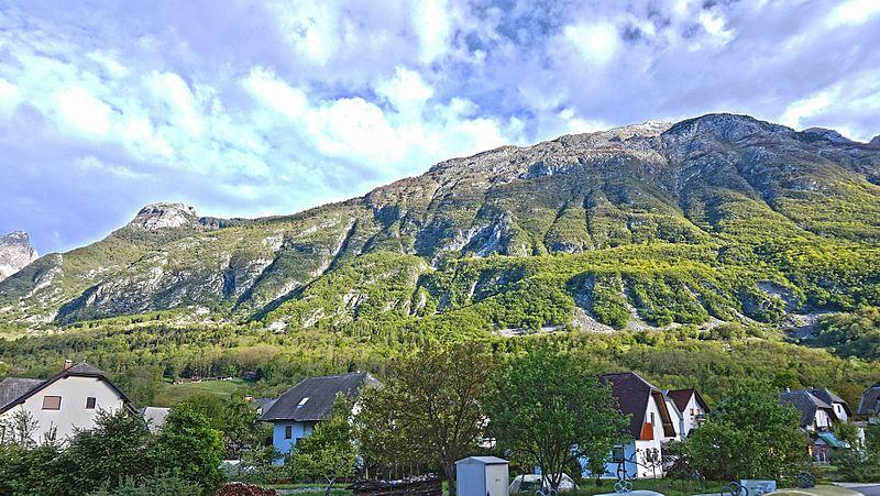 File:Bovec mountain view 2.jpg
