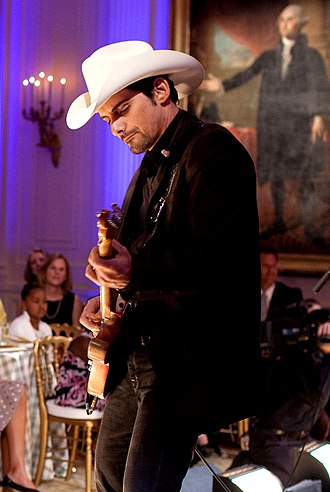 Brad Paisley - Image: Brad Paisley at the White House