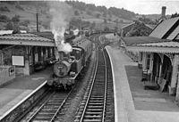 Brimscombe railway station 1908506.jpg
