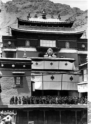 5th Dalai Lama - Tashilhunpo Monastery, 1938 Tibet expedition photograph by Ernst Schäfer in German Federal Archives.