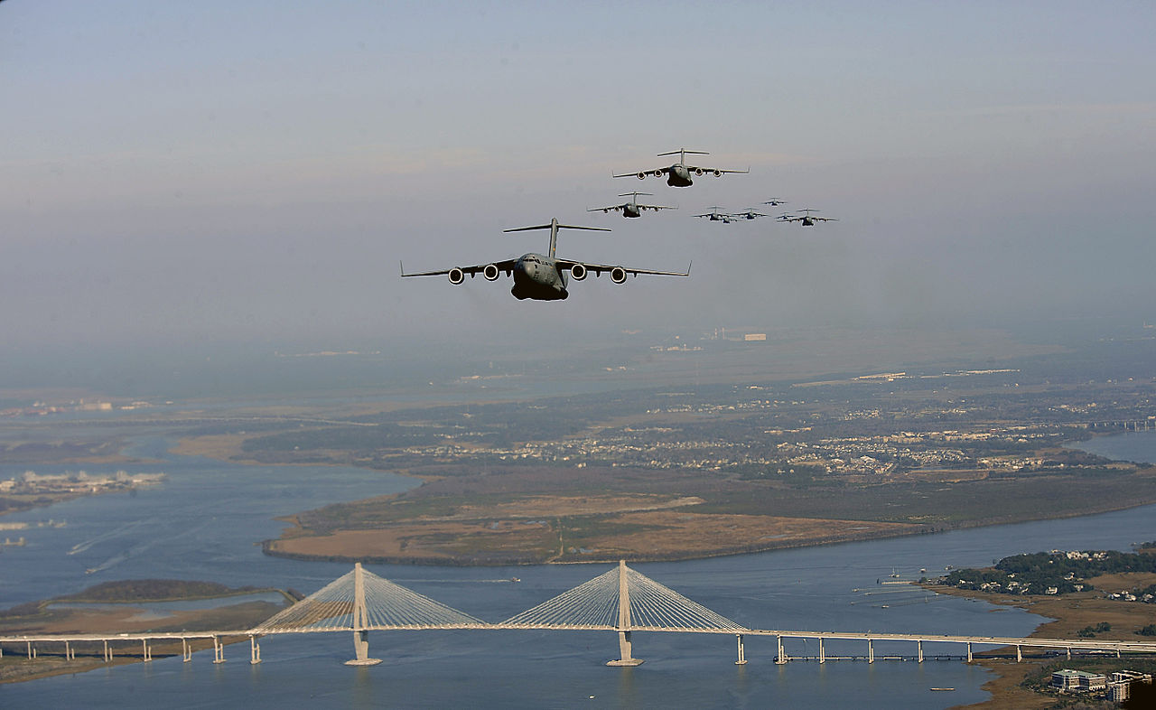 File:C-17 Globemaster IIIs from the 437th and 315th ...