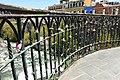Candados de amor del puente Bolognesi.jpg