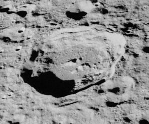 Cantor (crater) - Oblique Apollo 16 mapping camera image