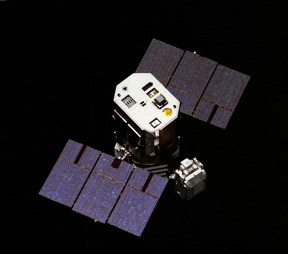 Capturing the Solar Maximum Mission satellite