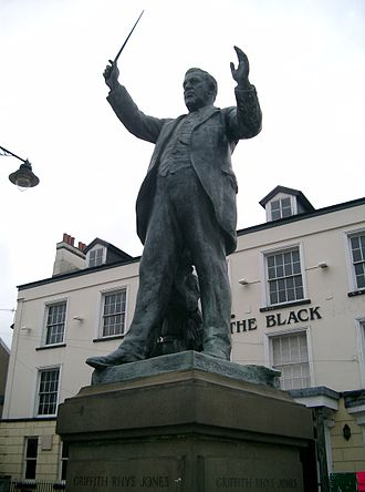 Aberdare - Caradog statue in Victoria Square