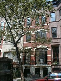 Carnegie Hill townhouses 2003.jpg