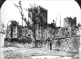 Guimarães Castle - Frederick W. Flower - Guimarães do Passado e do Presente, org. by Joaquim Fernandes Guimarães, p. 86, 1985