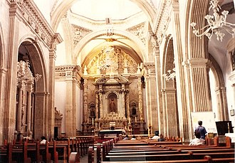 Cathedral of Chihuahua - The nave and chancel of the Metropolitan Cathedral of Chihuahua
