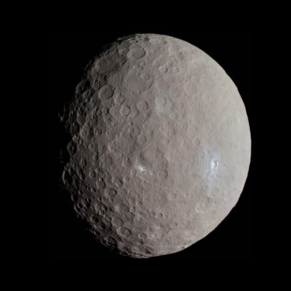 Ceres - RC3 - Haulani Crater (22381131691)