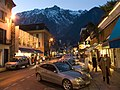 Chamonix street 001.jpg