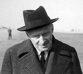 Charles Wilson, 1st Baron Moran - Charles McMoran Wilson c. 1943