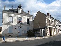 Charnizay-hotel-de-ville.jpg