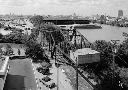 Cherry Avenue bridge as it appeared in 1999 before restoration Cherry Avenue Bridge HAER ILL-143-7.jpg