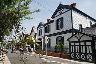 Choueke house02 1920.jpg