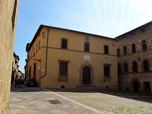Colle, Palazzo Vescoville