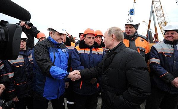 Путин сказал, когда по Крымскому мосту поедут автомобили ...
