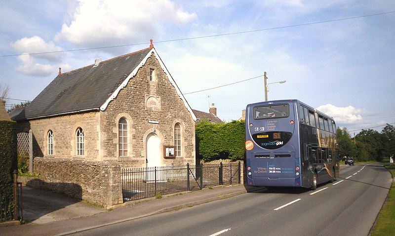 File:Curbridge Village Hall - geograph.org.uk - 3077834.jpg