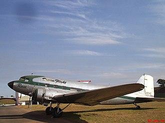 """1963 Ankara mid-air collision - Image: DC 3 Foram fabricados 18.642 Douglas DC 3 C 47. Na versão militar (C 47), foram produzidas nada menos do que 10.225 aviões. O """"Rose"""" era uma versão militar, produzida em 1943 e foi convertido para uso c panoramio"""