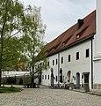 Dießen Klosterhof 10 12.jpg